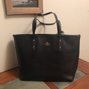 Navy Blue Coach Tote!!